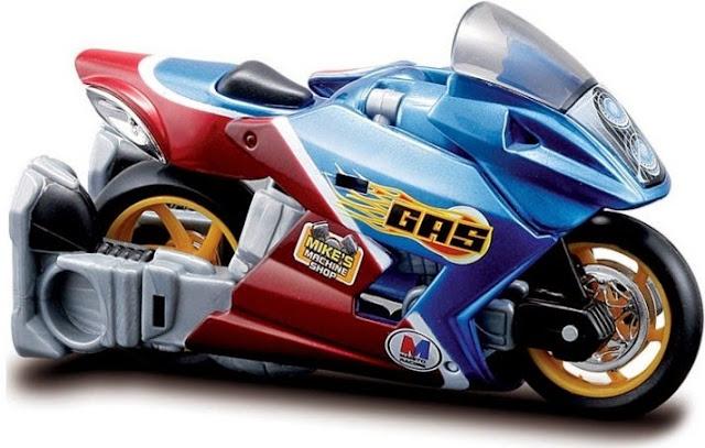 Xe đua đẹp mắt trong bộ biến hình Gas
