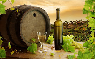 πράσινος οίνος σε κτήμα,πρότυπο βαρέλι,σταφύλι αγάπης,green wine in a property, standard barrel, grape love