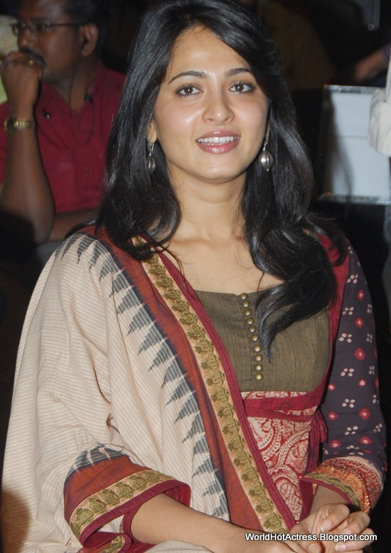 Only My Wepaper Beautiful South Indian Actress Anushka