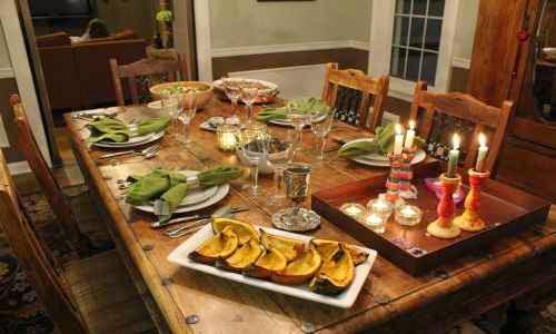 Cena hogareña para celebrar el aniversario de pareja
