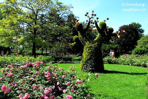Mosaiculture. Sculpturi din plante