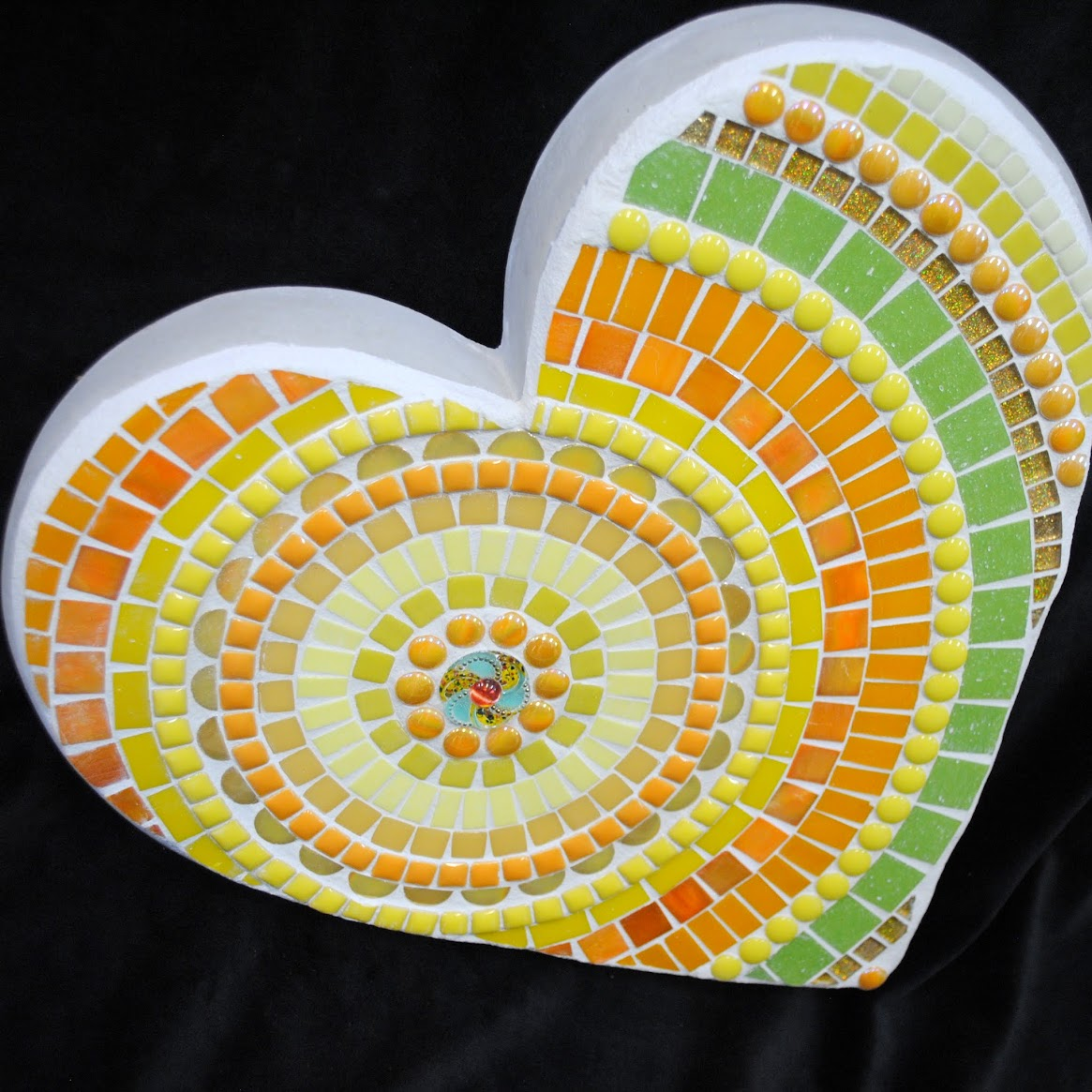 Moo5080 Golden Happy Day Large Heart Mosaic Stepping Stone