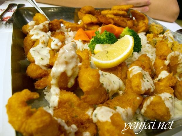 Manhattan Fish Market Giant Friend Platter