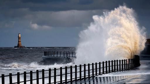 Crashing Wave, Sunderland, England.jpg
