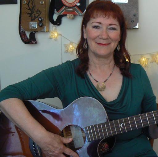 Linda Wilkes Photo 13