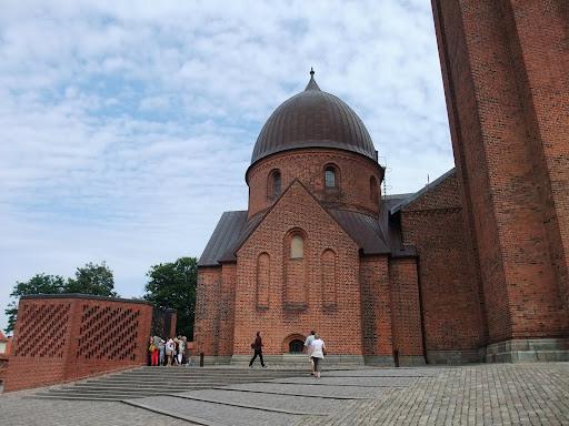 大聖堂に直結の小さな館