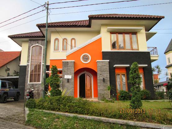 Villa Istana Bunga Di Lembang Bandung