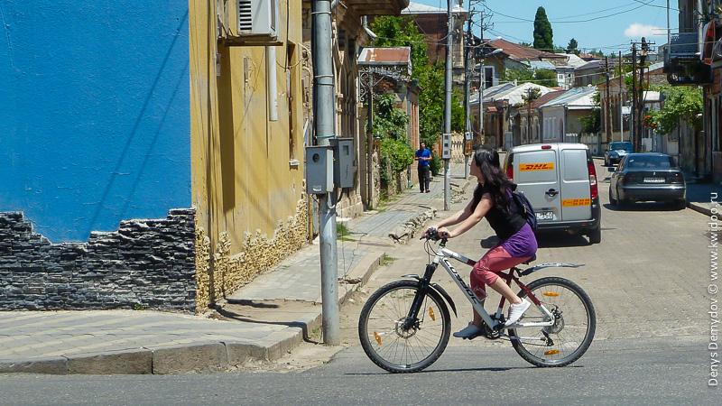 Велосипедисты на улицах Кутаиси