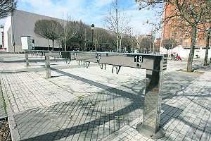 Parada instalada en frente del Palacio de Congresos. Foto: Lorenzo