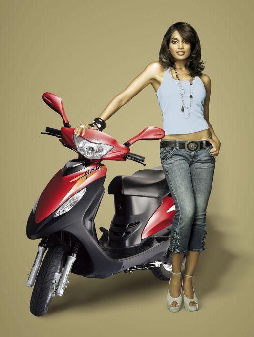Bipasha Basu Hot Bollywood Actress