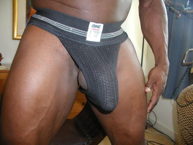 cum-huge-dick-bulge