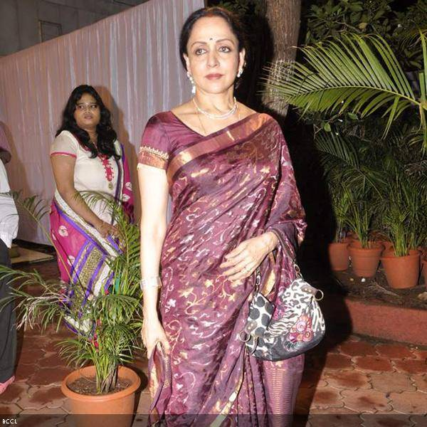 Graceful Hema Malini attends Ramesh and Seema Deo's 50th wedding anniversary, held at ISKCON, in Mumbai, on July 1, 2013. (Pic: Viral Bhayani)