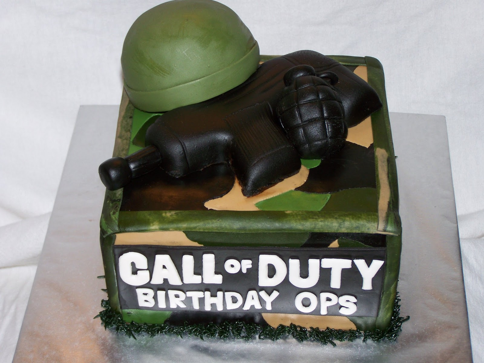 Marvelous Cakes By Kristen H Call Of Duty Funny Birthday Cards Online Inifodamsfinfo
