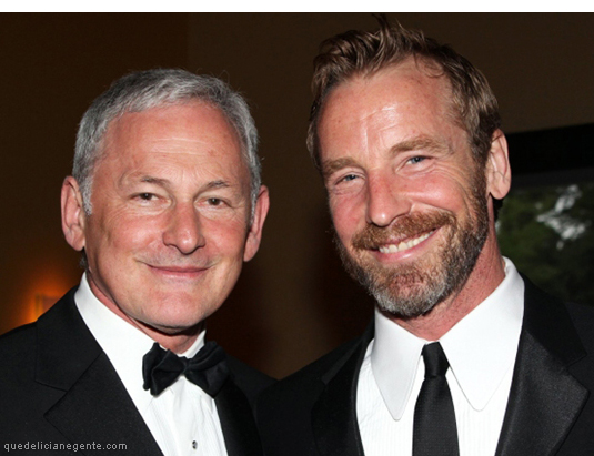 "garber gay singles 39 responses to ""victor garber will meet seraphina rose  victor garber is gay  he was only dating,."