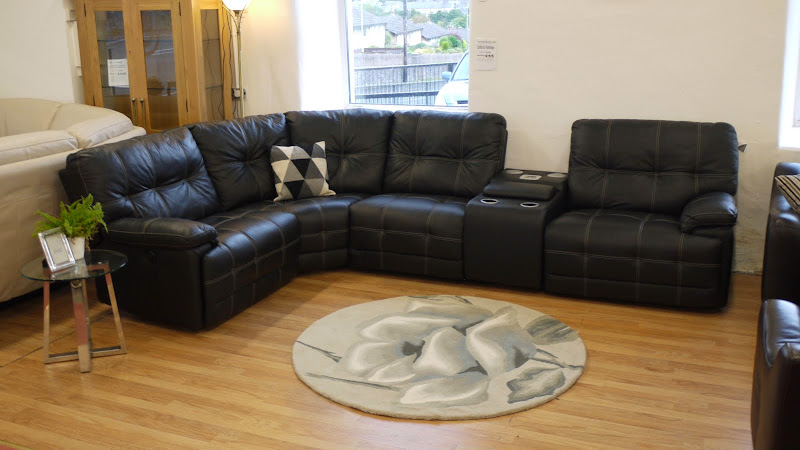 Max Black Leather Corner Sofa 3x Power Recliners N Iwave Ipod Dock