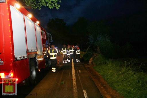 Noodweer zorgt voor ravage in Overloon 10-05-2012 (27).JPG