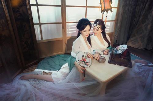 Bộ ảnh Thúy Kiều và Thúy Vân thời hiện đại cực HOT