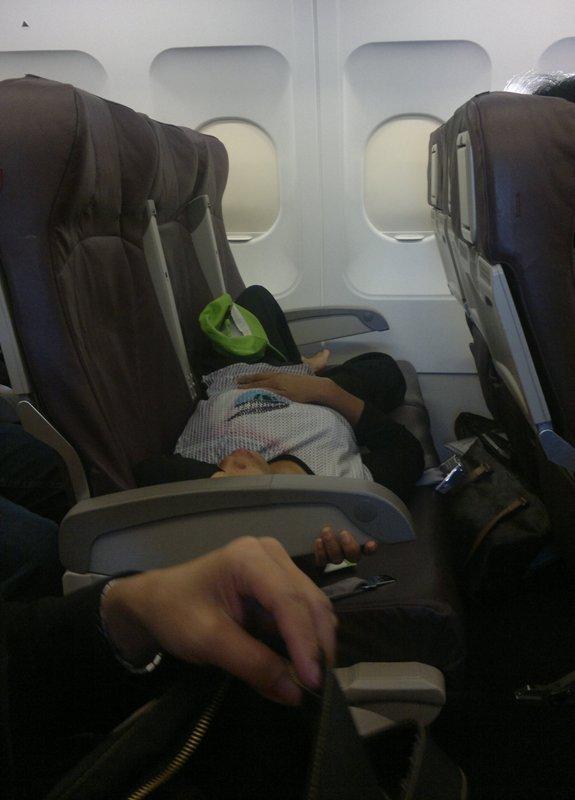 Tidur di Pesawat Terbang