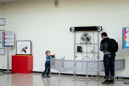 hareket enerjisi ile radyo çalıştırmaya çalışırken, Gaziantep