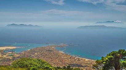 So erscheinen die Ägadischen Inseln beim Ausblick von Erice