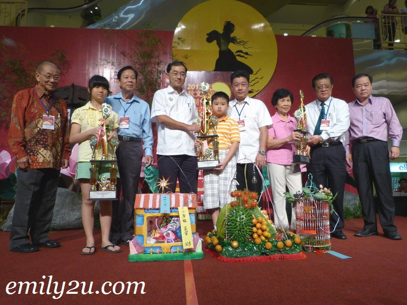 Prize Presentation: Mid-Autumn Lantern Making Competition