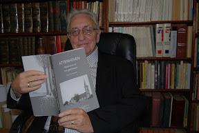 Paul Kempeneers met boek Attenhoven