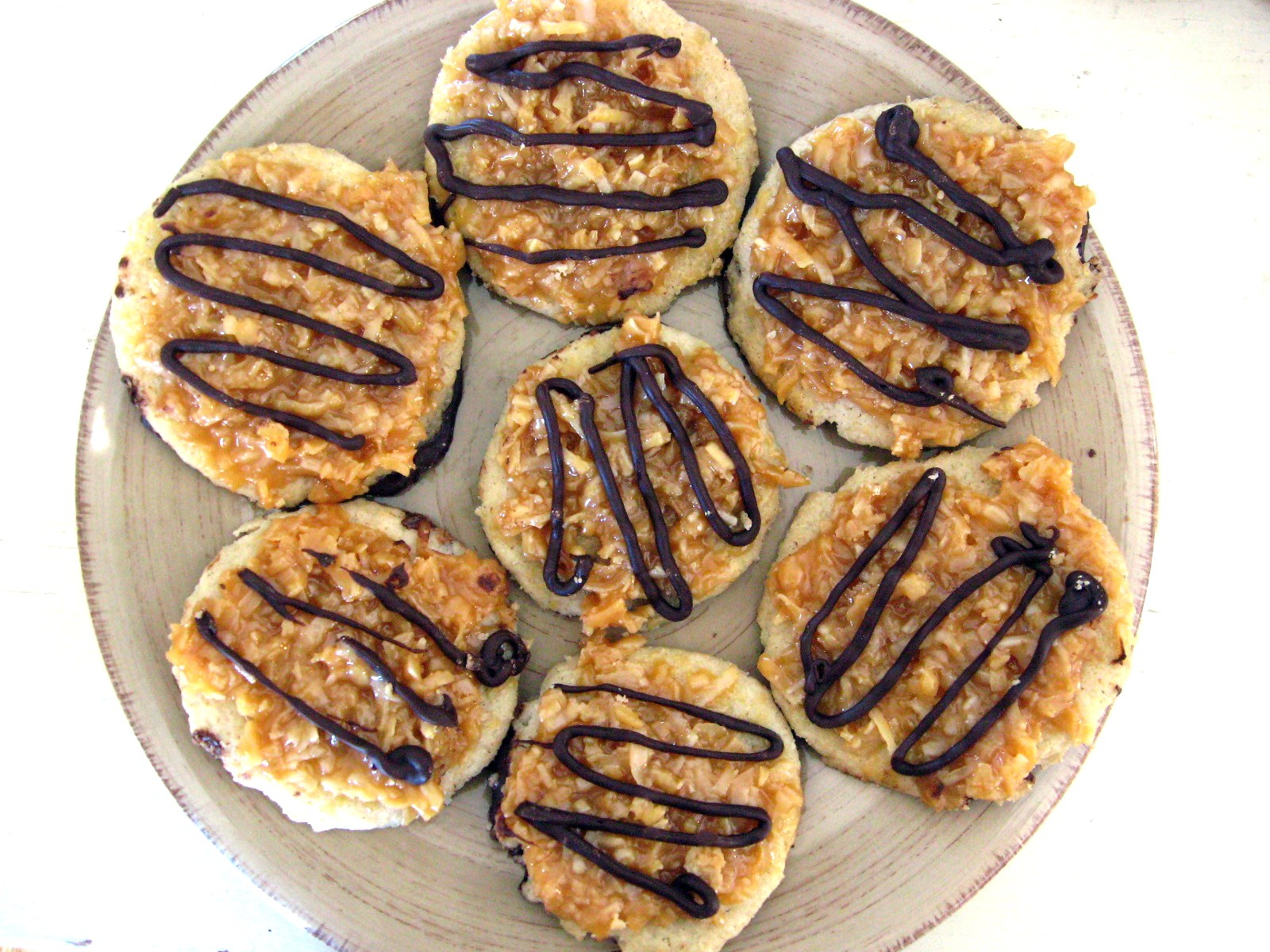 Girl Scout Cookies 101 « Caramel deLites | Girl Scouts + Cookies | Pi ...