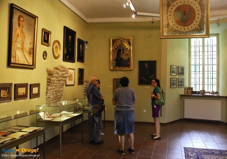 Pałac w Kurozwękach - muzeum pałacowe rodziny Popielów