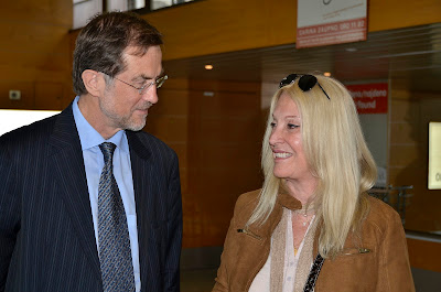 Vassula with Ex Prime Minister of Slovenia, Mr. Alojz Peterle and current Member of the European Parliament of the New Slovenian Party with Vassula at the airport.