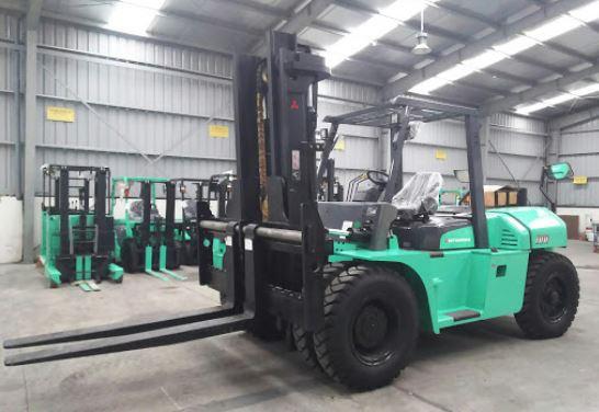 Xe nâng hàng 10 tấn 0937782768