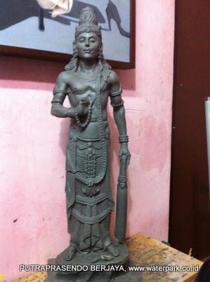 patung arjuna