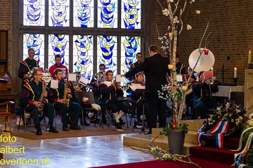 herdenkingsdienst  en een stille tocht naar het Engelse kerkhof 12-10-2014 (26).jpg