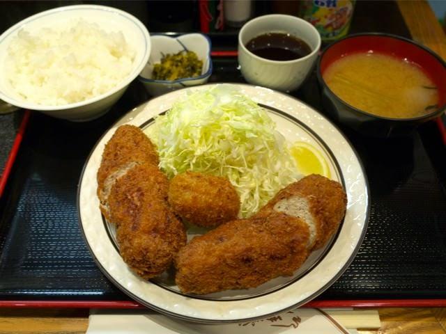 三河屋のメンチ定食