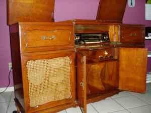 How to Ruin an Antique Radio [Photo Roundup] | RETROVOLTAGE