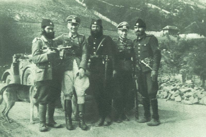 https://lh4.googleusercontent.com/-TIYYVg6U02w/TWsHqHggL1I/AAAAAAAACTg/Qsoq9okB0ZM/s1600/Serbian+Chetniks+with+Nazi+Germans%252C+Jablanica+1942.jpg