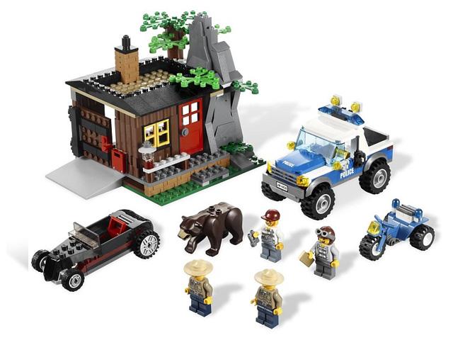 4438 レゴ ポリス 隠れ家発見