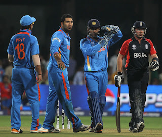 MS Dhoni appealed for UDRS after Ian Bell was struck in front by Yuvraj Singh