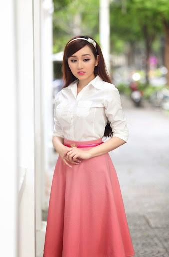 Hot girl Huỳnh Kim Khánh gây sốt cộng đồng mạng