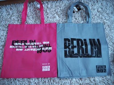 souvenirs, tuliaiset, matkamuistot, germany, berlin, saksa, berliini, bag, bags,