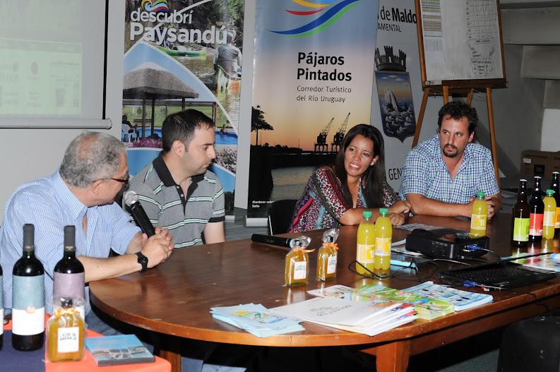 En el Campus de Maldonado con la presencia de los directores de Turismo de Salto, Paysandu, Maldonado y el MINTUR local.