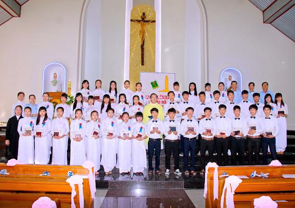 Thánh lễ lên đường của các em lớp Vào Đời III tại Giáo xứ Phú Phong