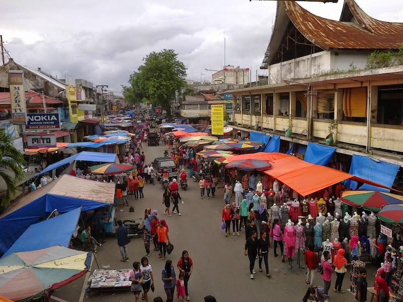Hasil gambar untuk Pasar Raya Padang