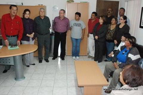 Presentación del Secretario del Ayuntamiento al personal del DIF Municipal