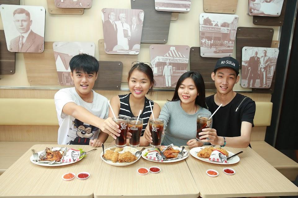 TIN SỐC: Mua combo gà giòn KFC chỉ 20k - www.TAICHINH2A.COM