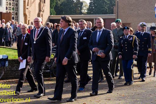 herdenkingsdienst  en een stille tocht naar het Engelse kerkhof 12-10-2014 (52).jpg