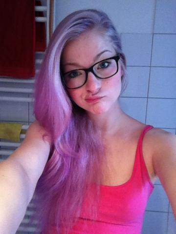 Wie Du Deine Lila Haare Wieder Blond Farben Kannst