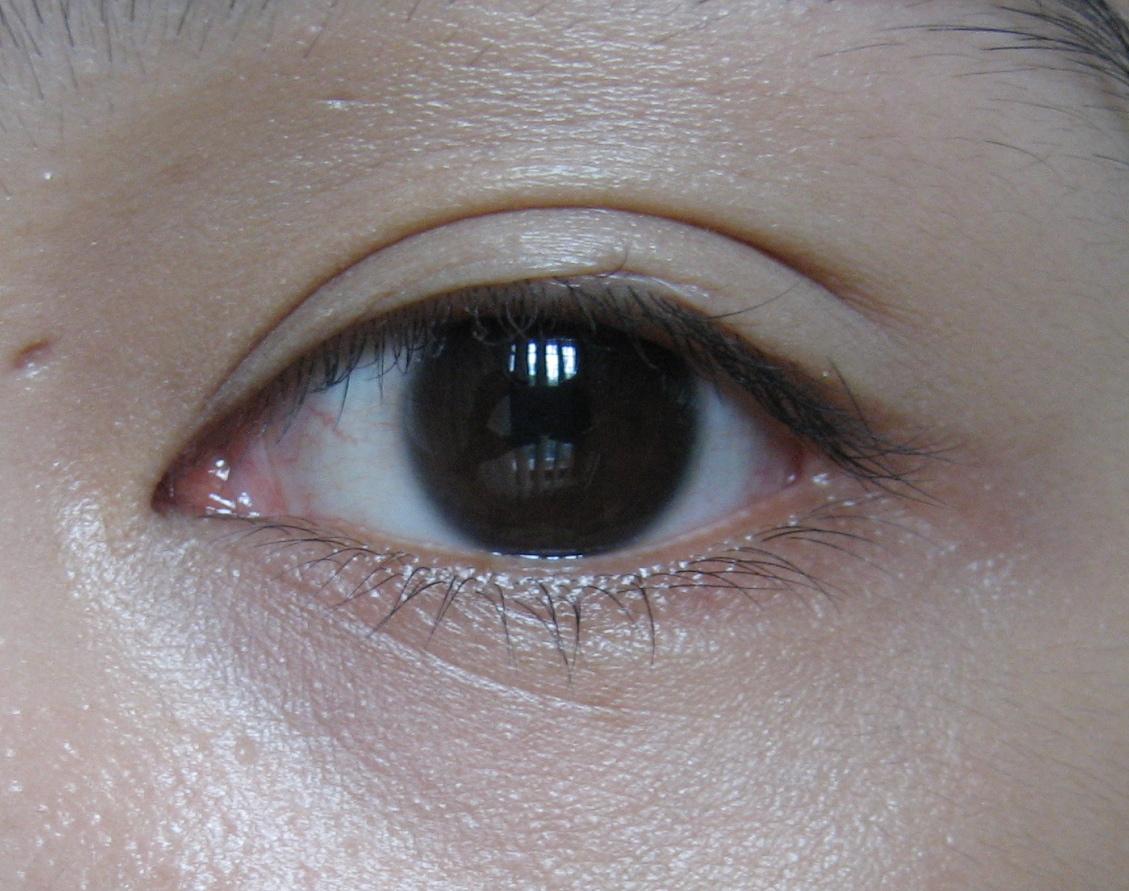 how to use cle de peau concealer