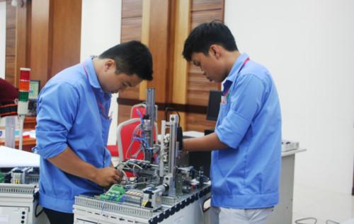 Xuất khẩu lao động chất lượng cao: Cần gắn kết với đào tạo nghề
