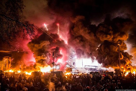 Razboi Civil Piata Maidan Kiev UCRAINA Viktor Ianukovici, preşedintele comunist al Ucrainei a fost prins !