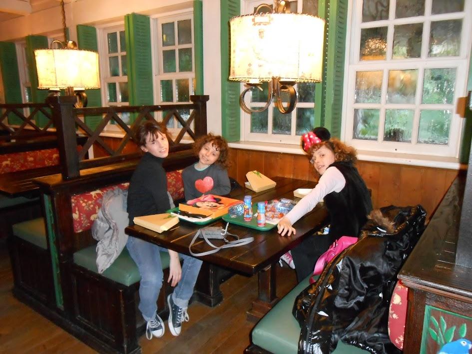 New-York, New-York......un séjour extraordinaire!!!!!!!!!!!!! - Page 10 Disneyland2014_640
